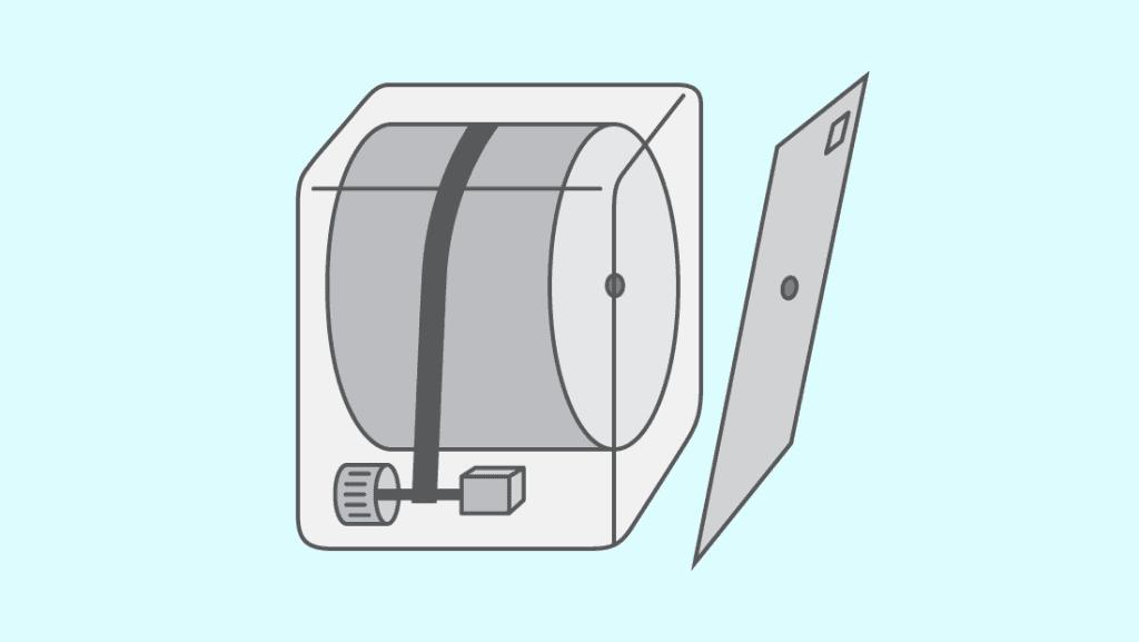 Vous pouvez prendre une barre de métal, ou bien votre ancienne courroie pour aller chercher la courroie au fond de l'appareil et la ramener vers vous pour la remettre sur la poulie tendeur.